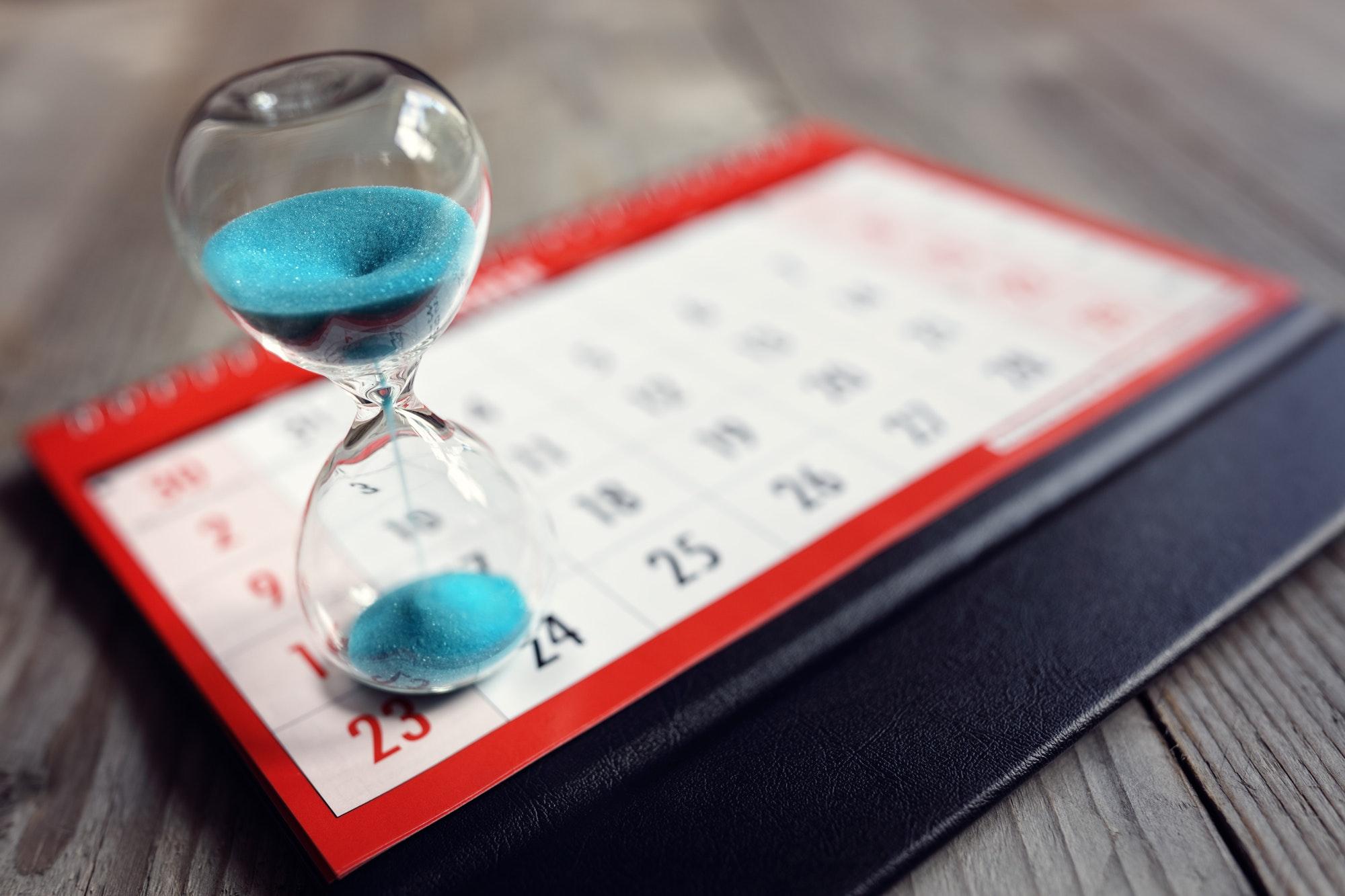 Hourglass on calendar